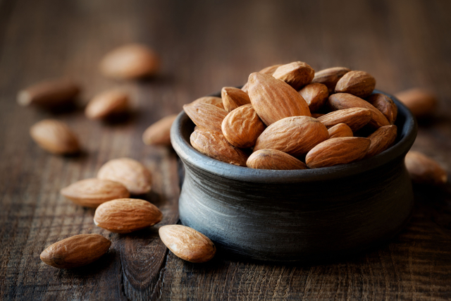 color of nuts